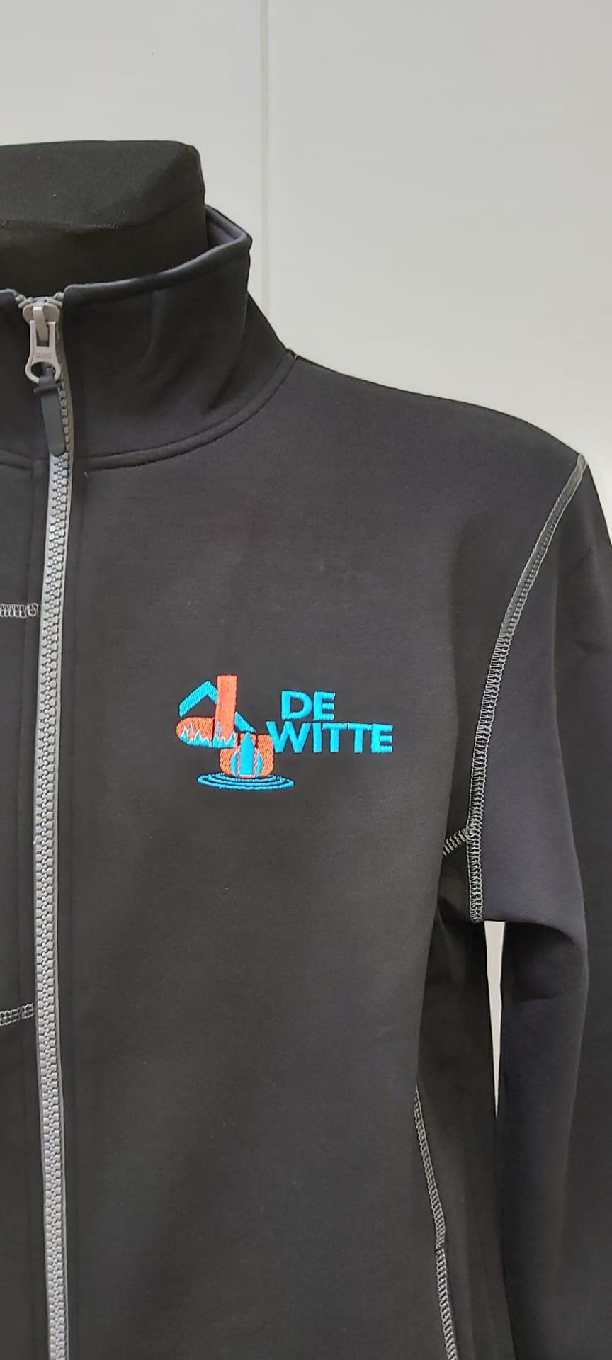 geborduurd logo Dirk De Witte